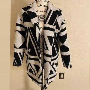 Geo Pattern Black and White Trench Coat
